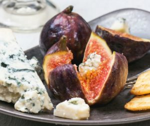fig-cheese-appetizer-long