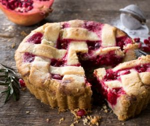 strawberry-pomegranate-pie-long