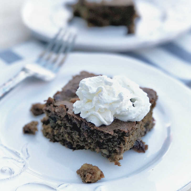 how to make OLD FASHIONED MOLASSES CAKE
